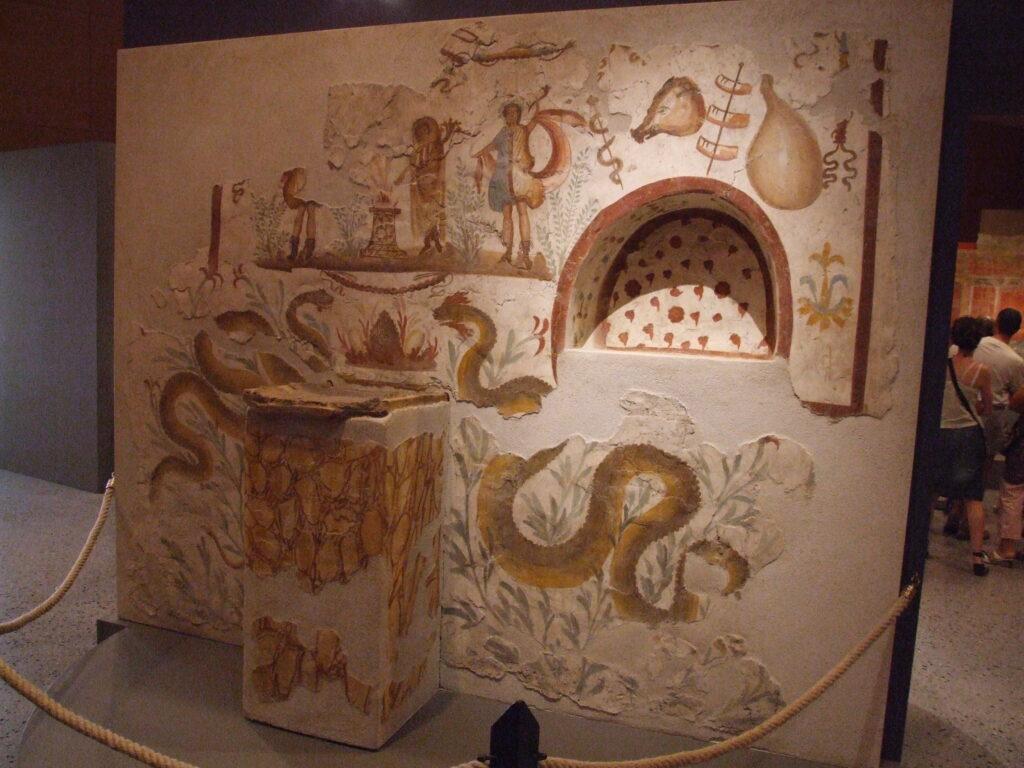 Кухонный ларарий с алтарем и нишей для приношений. Вилла Терзиньо близ Помпей, середина I в. до н.э.